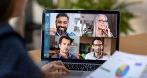 По данным экологического исследования, необходимо выключать камеру во время виртуальных встреч